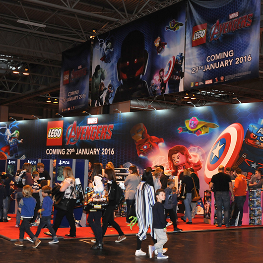 LEGO avengers stand