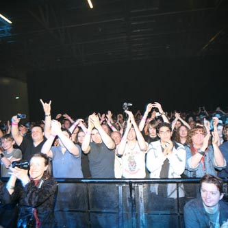 crowd music