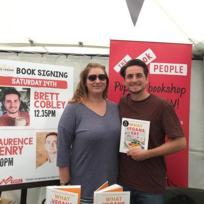Brett book signing3